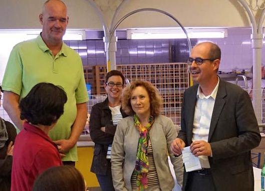 Begrüßung (rechts CROUS-Direktor Hervé Amiard).