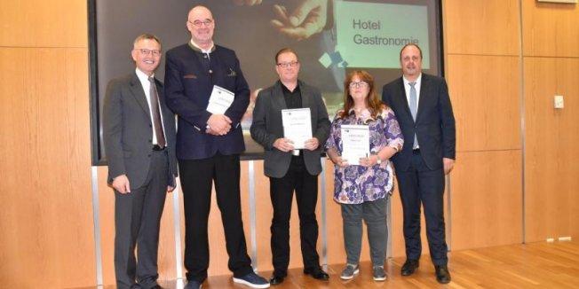 Mathias M. Meyer für 20 Jahre IHK Engagement ausgezeichnet